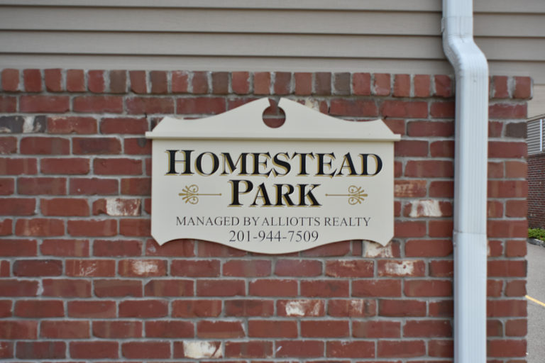 alliotts construction homestead park signage